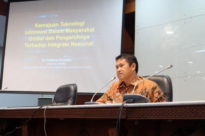 Kemajuan Teknologi Informasi dalam Masyarakat Global dan Pengaruhnya Terhadap Integrasi Nasional